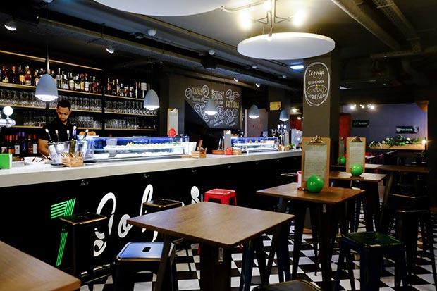barra del bar restaurante 7 golpes zaragoza