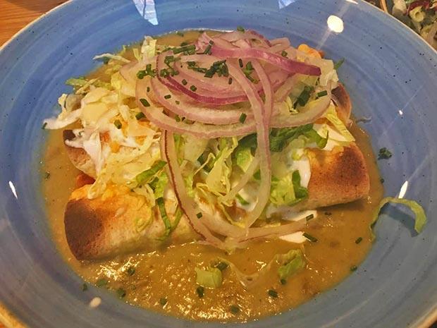 enchiladas mexicanas en el restaurante jalos