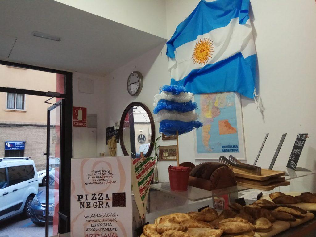 pizza negra zaragoza pizzeria argentina