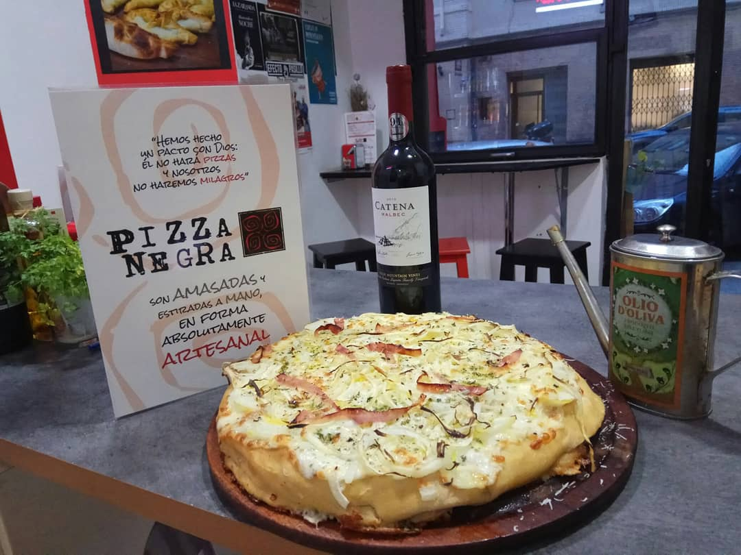 pizza negra zaragoza