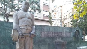 Monumento al Cantero en el Barrio de Torrero