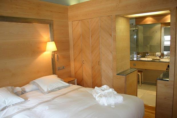 Habitación del Hotel Continental del Balneario de Panticosa en Aragón