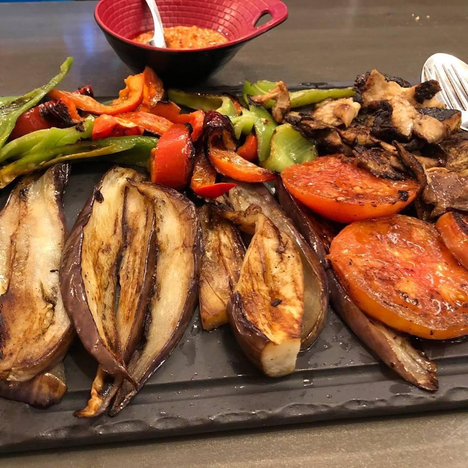 Parrillada de verduras en el restaurante albarracin
