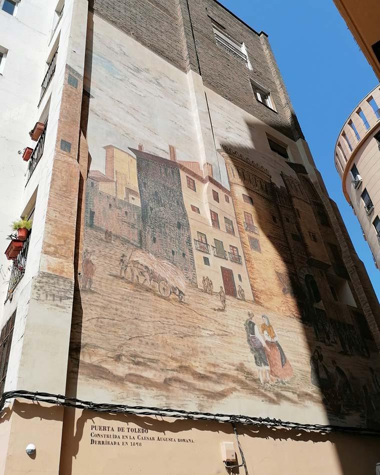 Mural en recuerdo a la Puerta de Toledo de Zaragoza