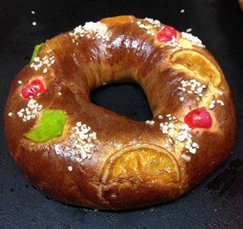 roscon de reyes en panaderia pinilla