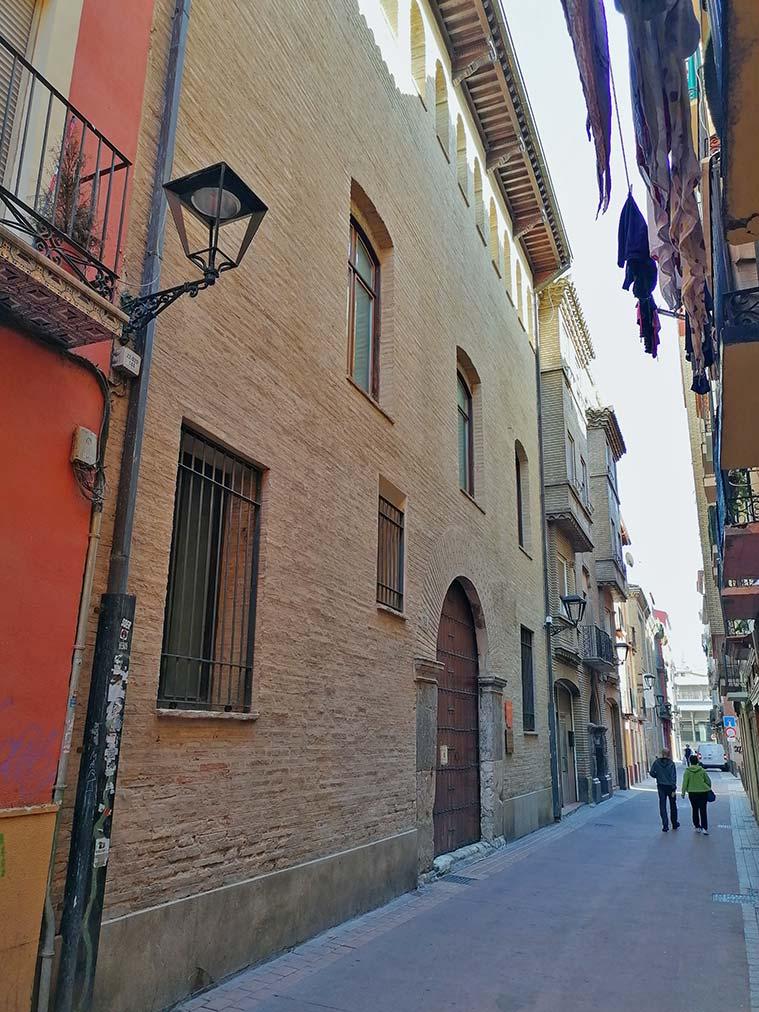 La Escuela Municipal de Música y Danza está situada en el número 32 de la calle Las Armas