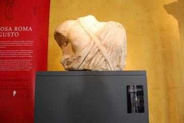 Escultura de la diosa Roma en el Museo del Teatro de Caesaraugusta