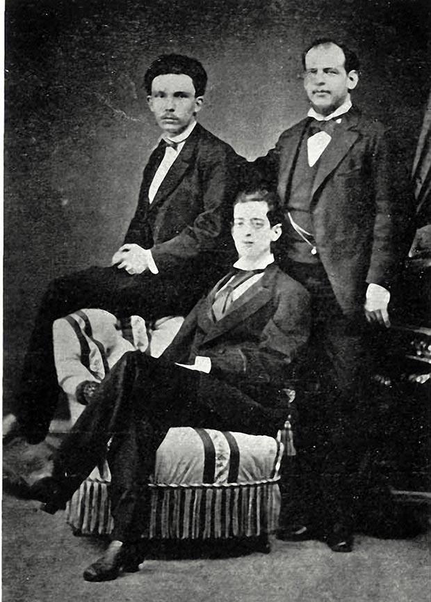 José Martí retrato junto a Eusebio y Fermín Valdés en Madrid 1872