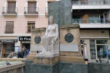 Monumento a los Hermanos Argensola en la Plaza San Pedro Nolasco de Zaragoza