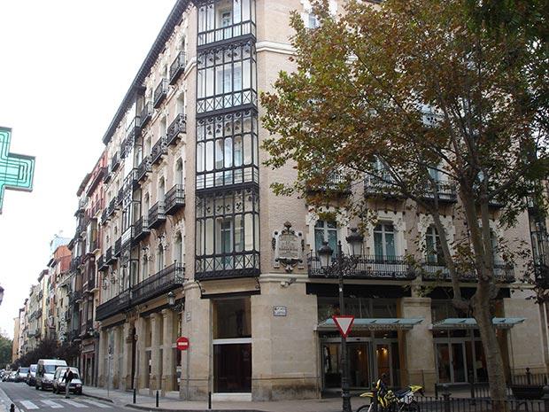 Arquitectura Modernista en la esquina de la Calle Manifestación con la Plaza del Justicia