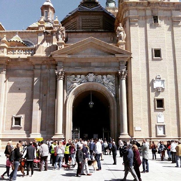 exterior de la basilica del pilar