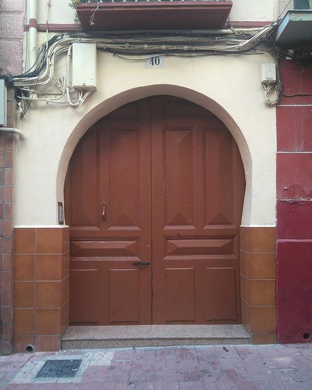puerta de la calle heroismo de zaragoza
