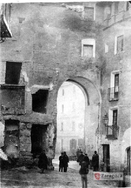 La Puerta de Valencia en 1853 (Foto: Archivo Municipal de Zaragoza)