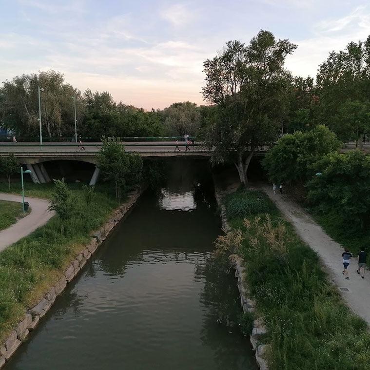 El río Huerva a punto de desembocar en el Ebro