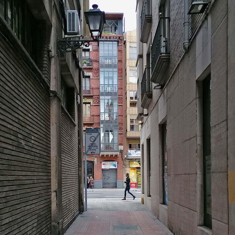 Vista del Coso desde la Calle Mateo Flando en el barrio judio de zaragoza