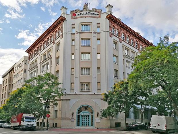 El Gran Hotel de Zaragoza se encuentra en el cruce de las calles Isaac Peral y Sanclemente