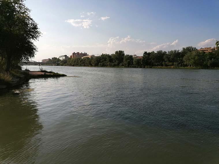 desembocadura del rio huerva en el ebro