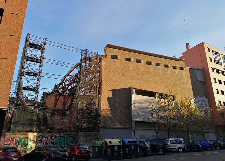 El Teatro Fleta espera pacientemente una necesaria y merecida restauración que le devuelva su pasado esplendor