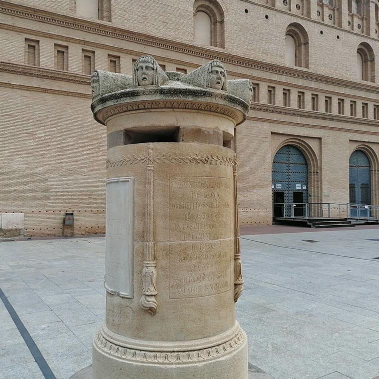 El Cenotafio de Goya en la Plaza del Pilar