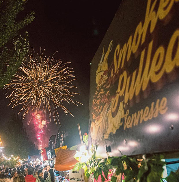 final de fiestas del pilar en el festival de foodtrucks