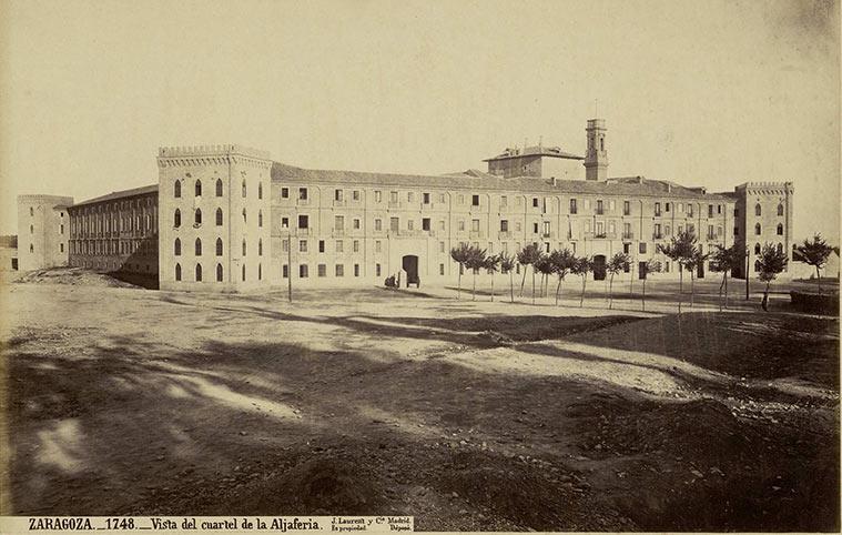 """Jean Laurent y Cía. 1874-1877. """"Vista del Cuartel de la Aljafería"""""""