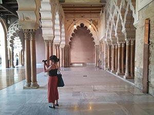 interior del palacio de la aljaferia en zaragoza