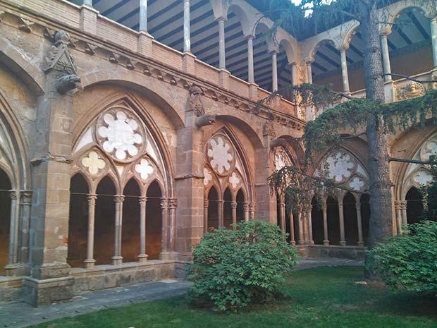 claustro del monasterio de veruela