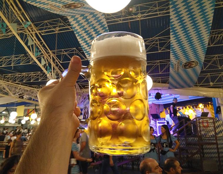 fiesta de la cerveza en zaragoza fiestas del pilar oktoberfest parque de atracciones