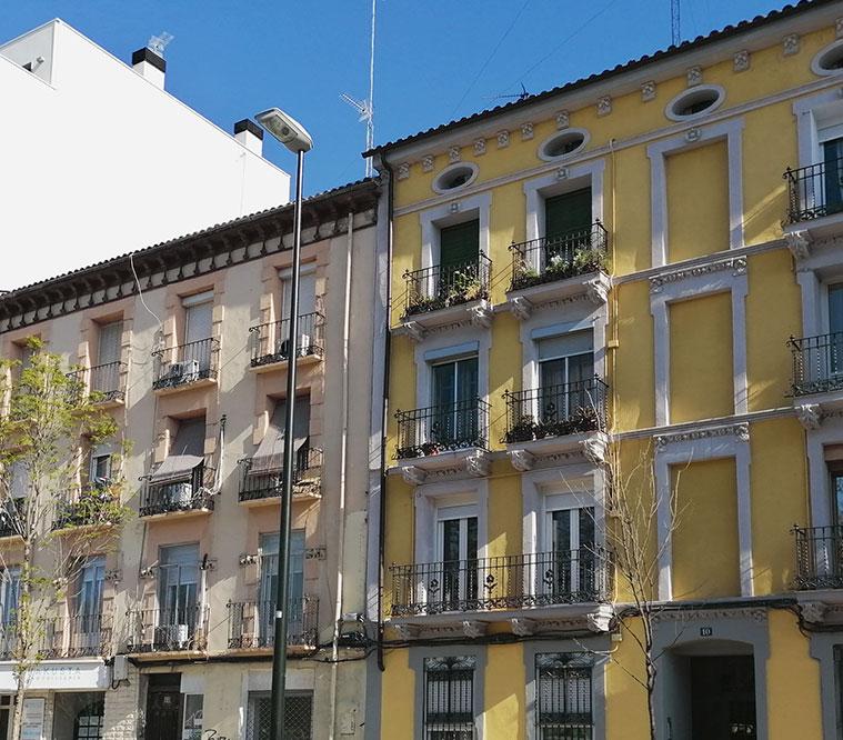 Arquitectura tradicional en la Avenida Cataluña de Zaragoza