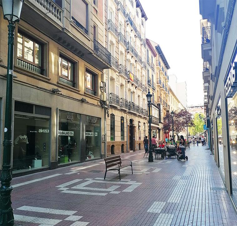 Terrazas en la Calle Cádiz de Zaragoza