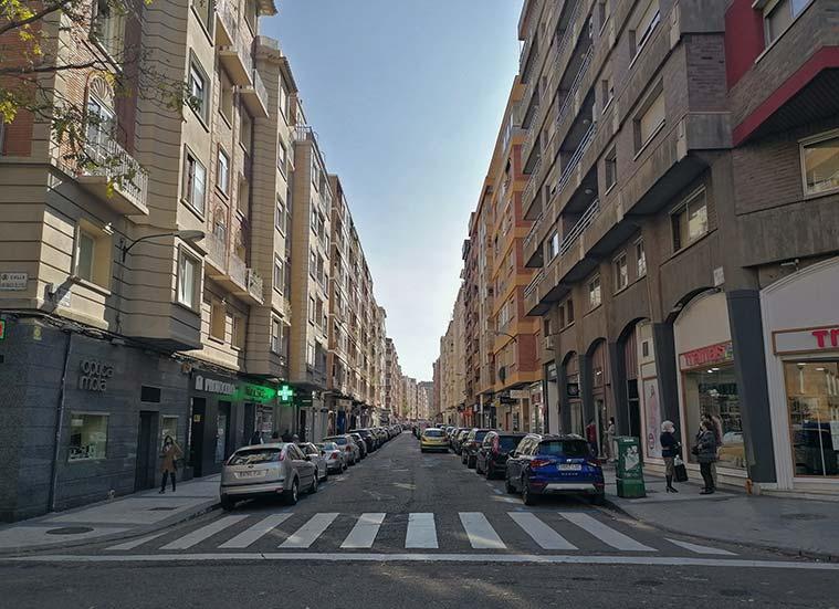 Confluencia de las calles San Ignacio de Loyola y Jose María Lacarra de Miguel