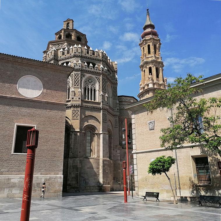 Cimborrio y torre de La Seo desde la Plaza de San Bruno