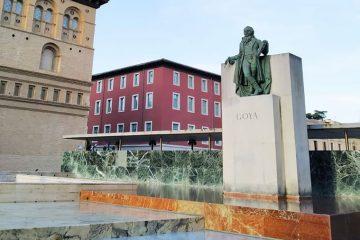 El Monumento a Goya en la Plaza del Pilar de Zaragoza