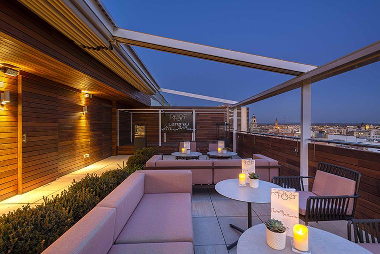 El Rooftop Lateral está situado en la planta 11 del hotel INNSIDE by Meliá Zaragoza