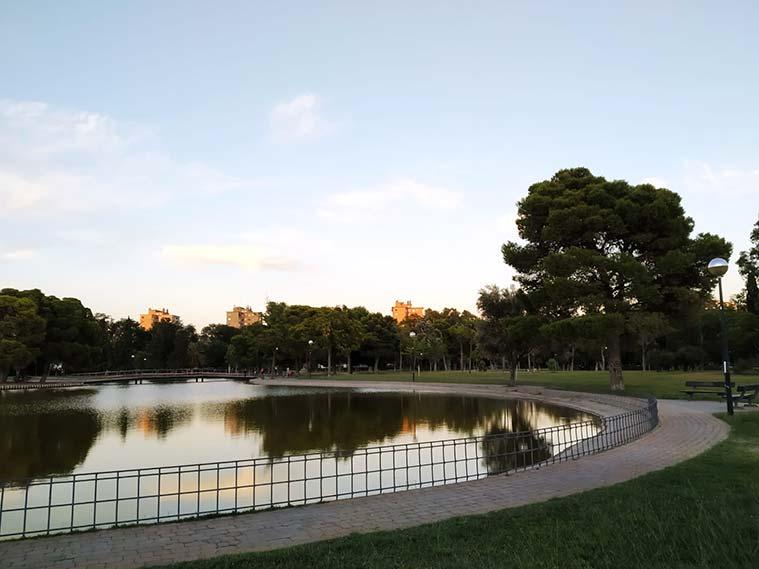 El gran lago artificial del Parque Tío Jorge