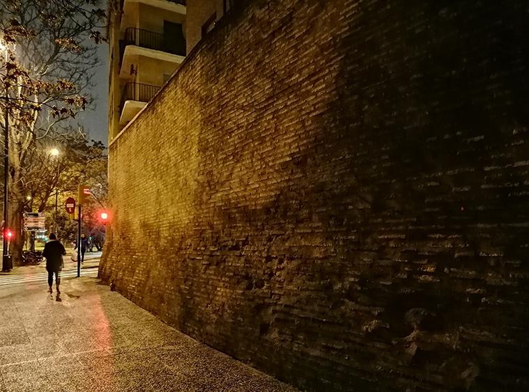 La Muralla de Ronda, entre el actual paseo de la Mina y las calles de Asalto y del Heroísmo