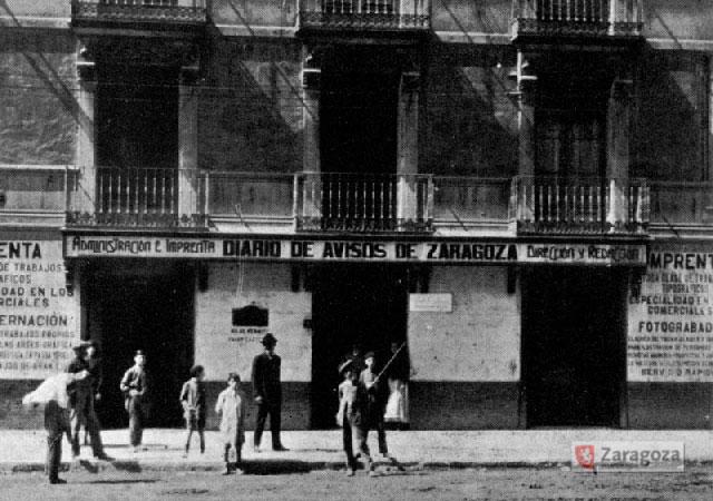 La sede del Diario de Avisos en El Coso en 1900