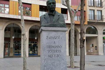 Monumento a Fernando Soteras Mefisto en Plaza Aragon