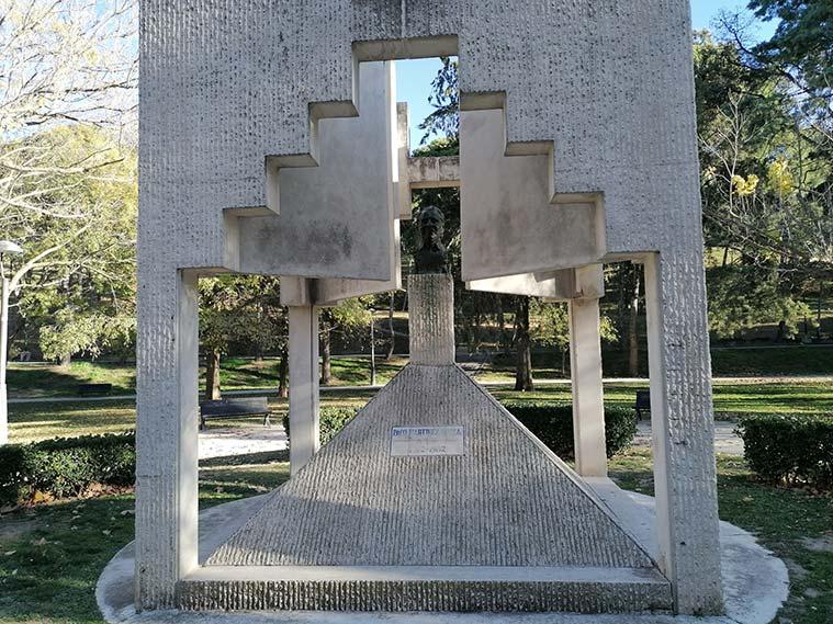 Monumento a Paco Martínez Soria en el Parque Grande de Zaragoza