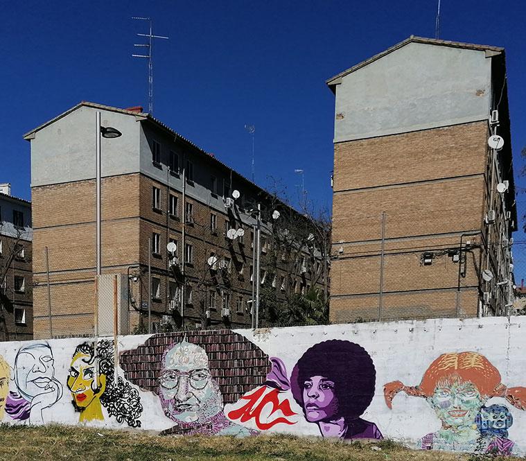 Mural feminista del barrio de Torrero