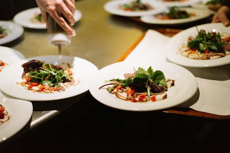 Platos del Restaurante River Hall