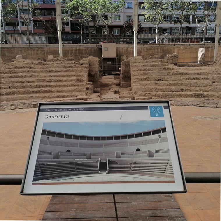 Restos del acceso directo desde el exterior al centro de la orchestra del teatro de Caesar Augusta.