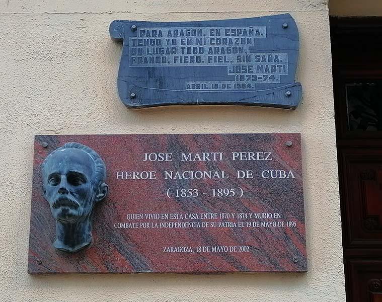 Placa en la casa en la que vivió Jose Marti en Zaragoza