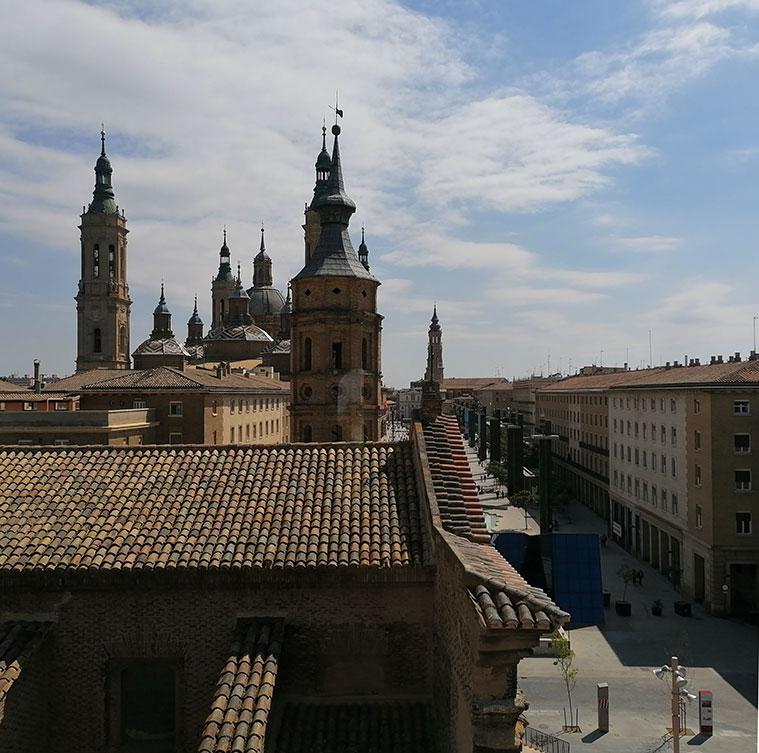 Vista de San Juan de los Panetes y del Pilar desde el Torreón de la Zuda