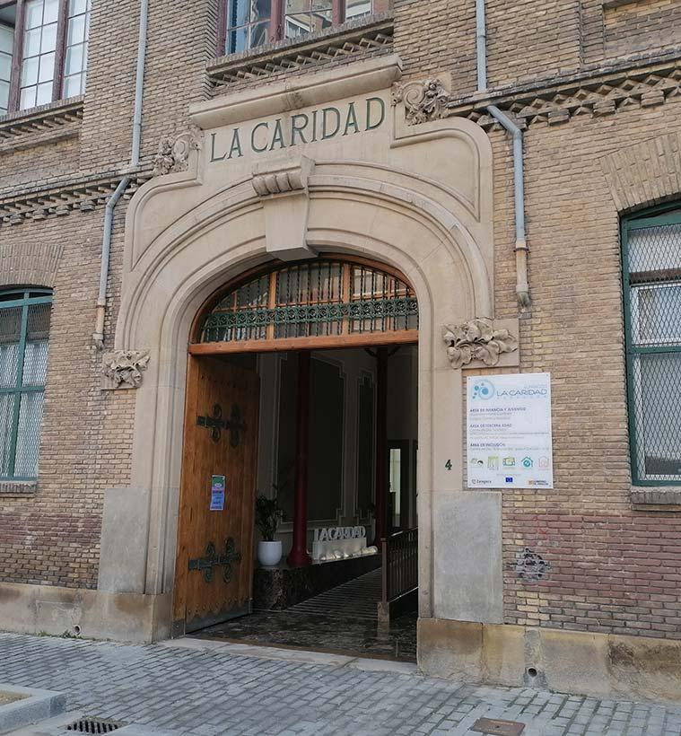 Vista de la Caridad de Zaragoza desde la calle Moret