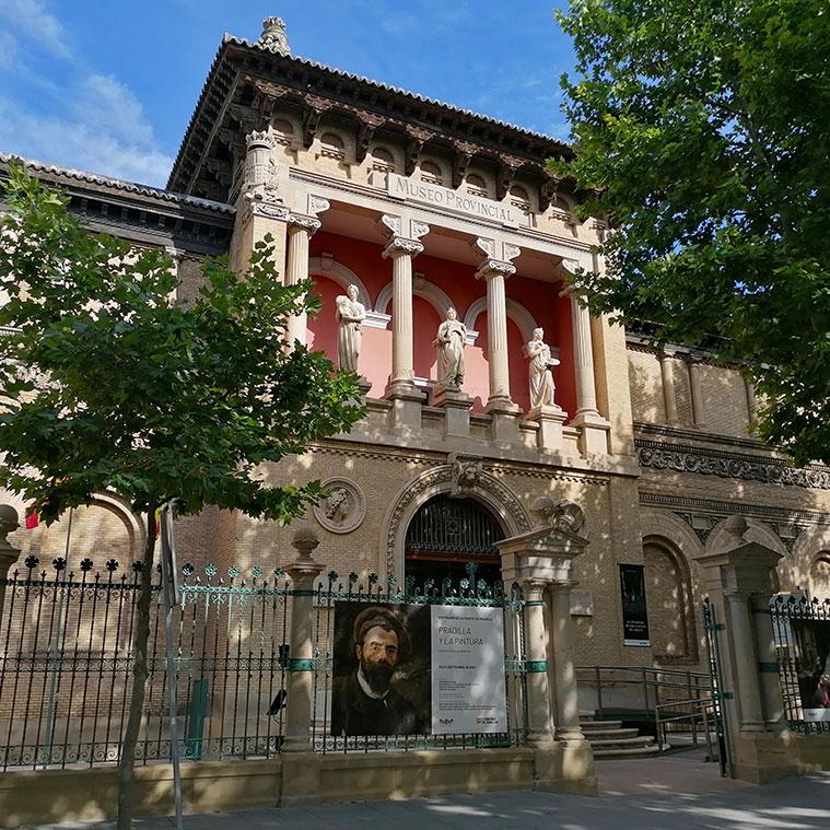 Vista del Museo de Zaragoza desde la Plaza de los Sitios