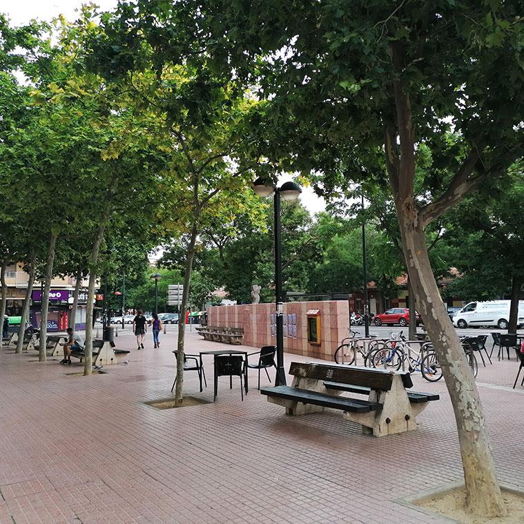 en la confluencia de la Calle Delicias con la Avenida Duquesa Villahermosa