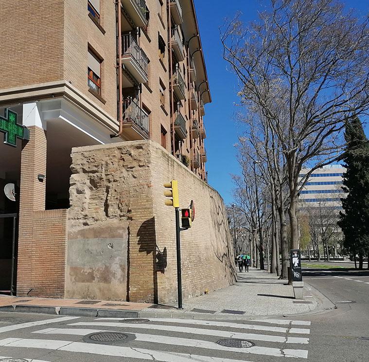La muralla de los sitios a la altura de la Calle Cantín y Gamboa