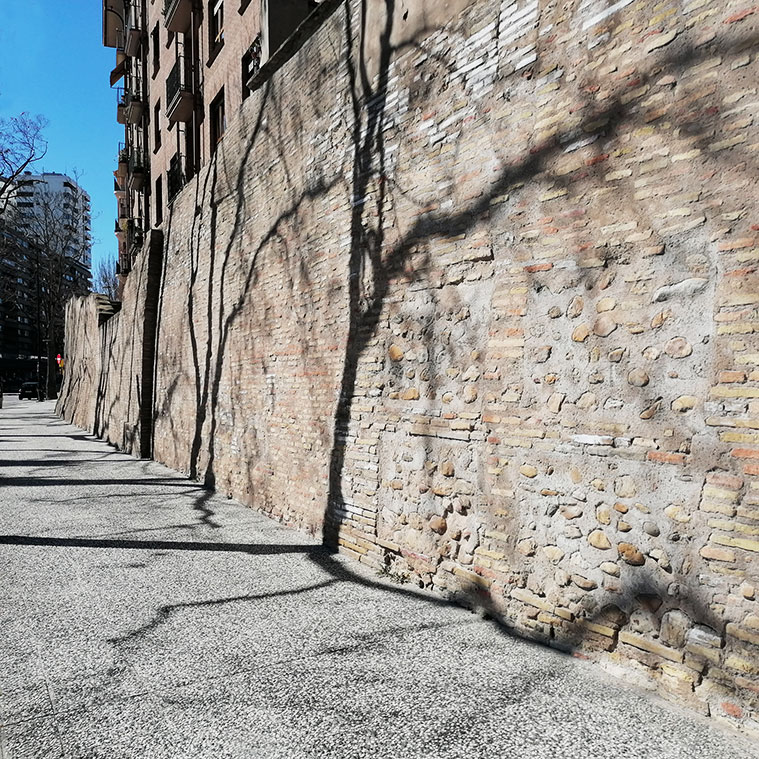 muralla de los sitios calle asalto