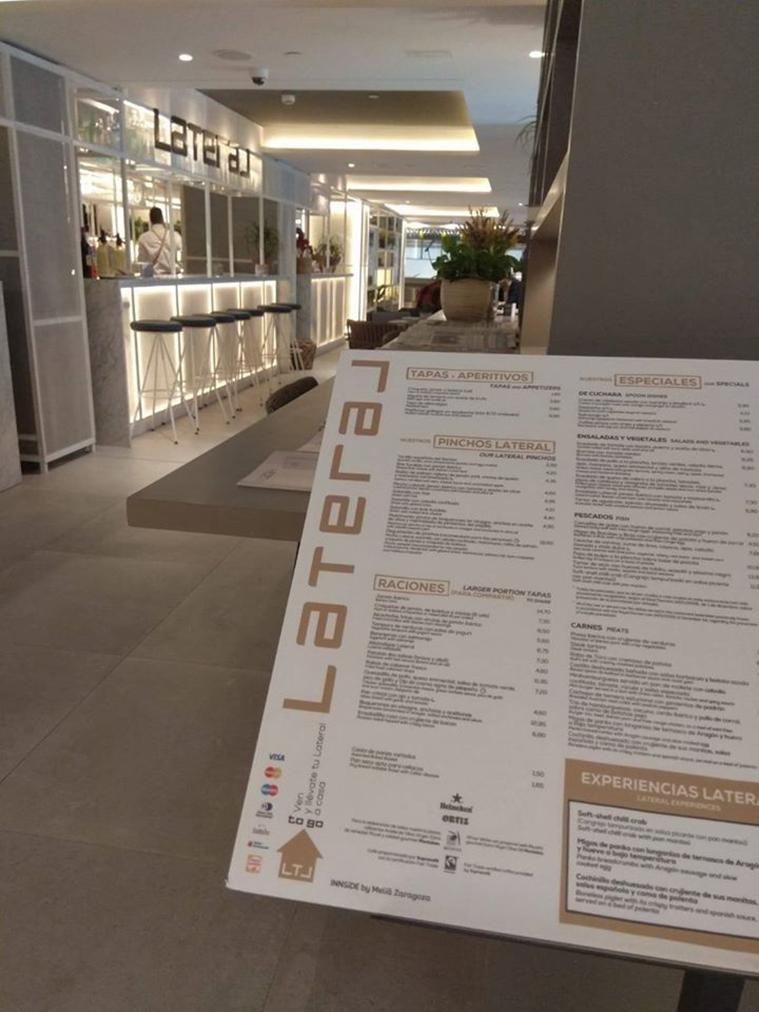 recepcion del restaurante lateral de zaragoza